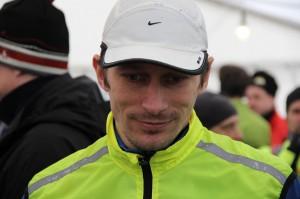 Jag ser trött ut redan innan start  Foto: http://bloggaromtraning.se/marathonmia/
